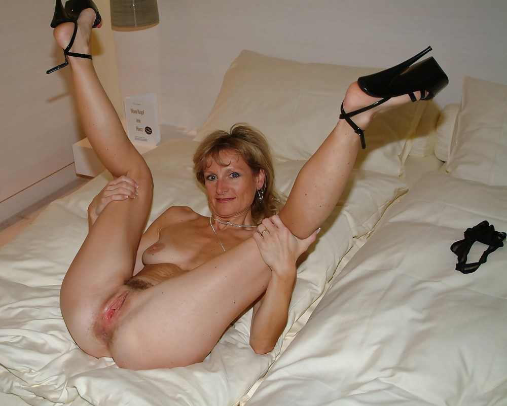 Are not naked mature women with legs spread for that